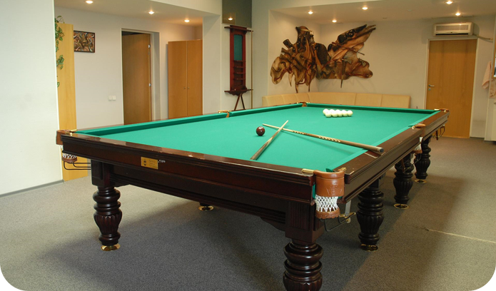 Montreal Pool Table Movers Billiard Move Install Service - Pool table movers delaware